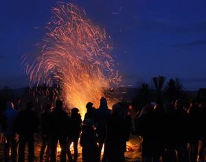 Osterfeuer 2015 bei Nacht